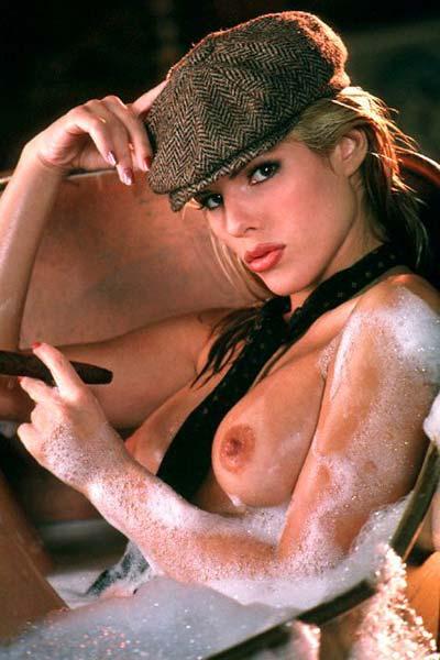 Layla Harvest Roberts Nude