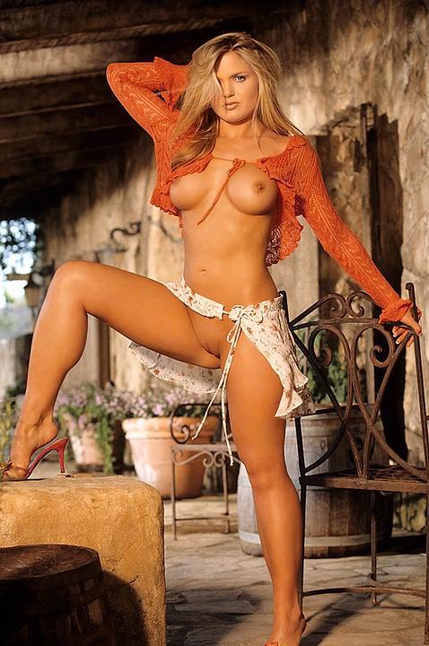 Vanessa nackt Hoelsher Playboy Playmate