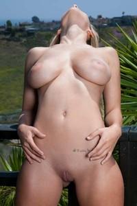 Carlye Denise Nude