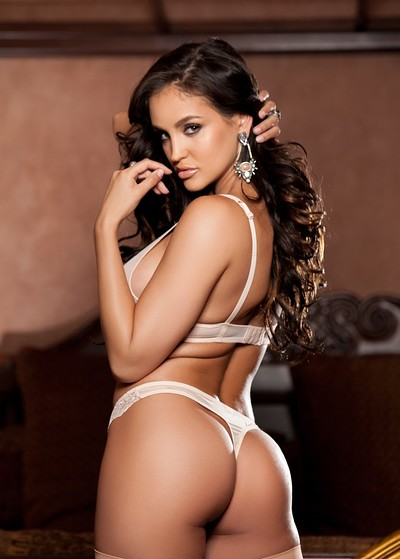 Jaclyn Swedberg in Artful Grace from Playboy