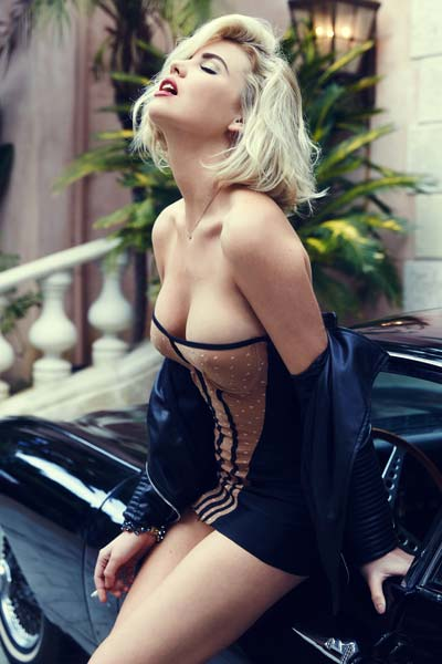 Kayslee Collins I love old cars and leather jackets