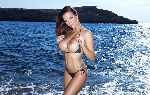 Helen De Muro Featured In Playboy Magazine Banging Family 1