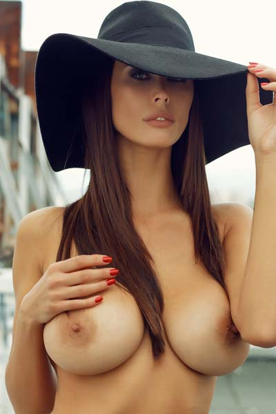 Bilyana Evgenieva shows off her unbelievable big boobs outdoors