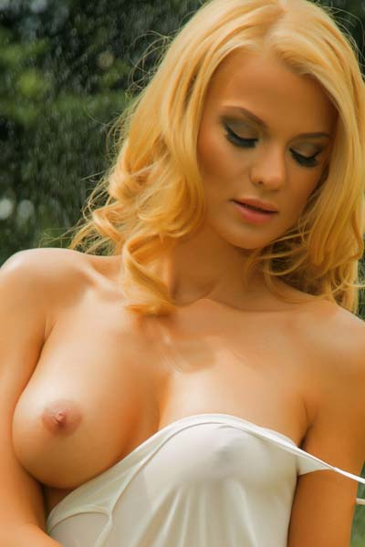 Blonde goddess Nelly Georgieva has a perfect body and wants to show it to you
