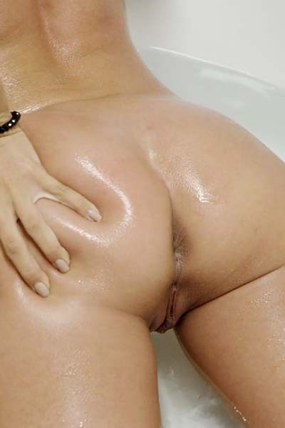 Melissa Lori Soaking Wet Video