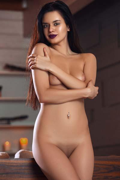 Slender Carmen Summer showcases her delicious body erotically