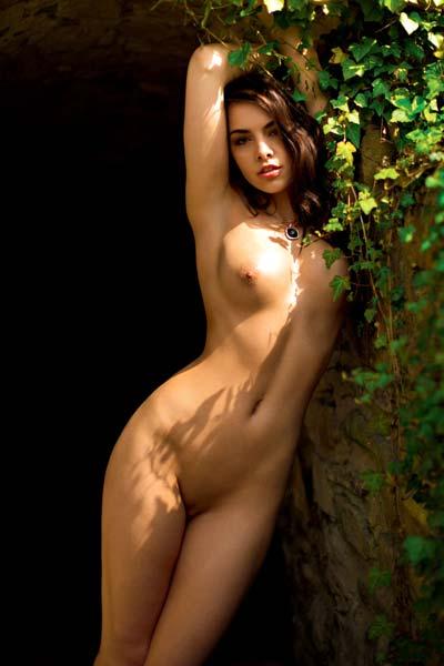 All natural Anita Sikorska flaunts her naked body sensually outdoors
