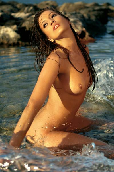 Perky natural babe Jovana Tubic in hot outdoor striptease