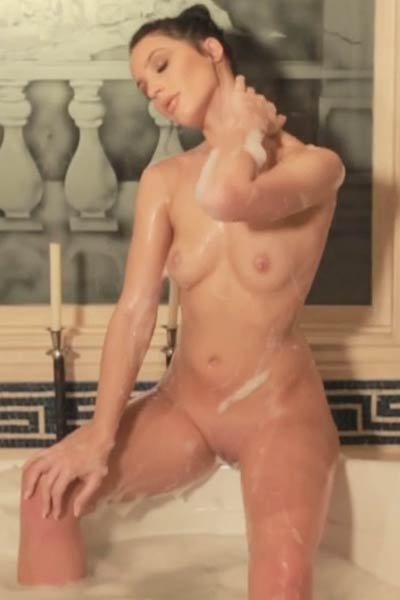 Wet and sexy Kendra Cantara loves to show off her amazing body