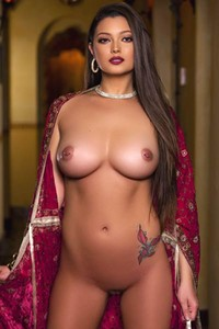 Magnificent female Chelsie Aryn with her burning hot curvy body strips down and flaunts her pearls