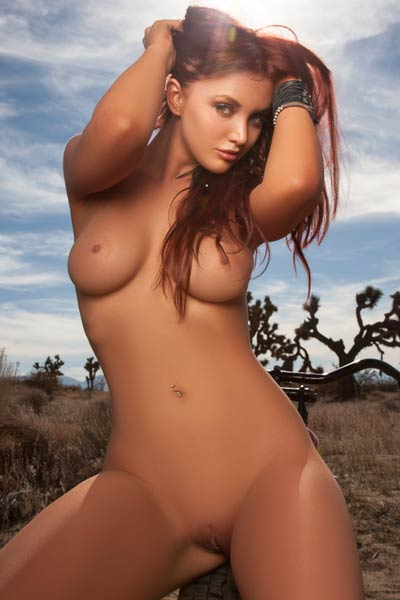 Veronica Ricci works her magic as she shamelessly shows you her naked nubile body