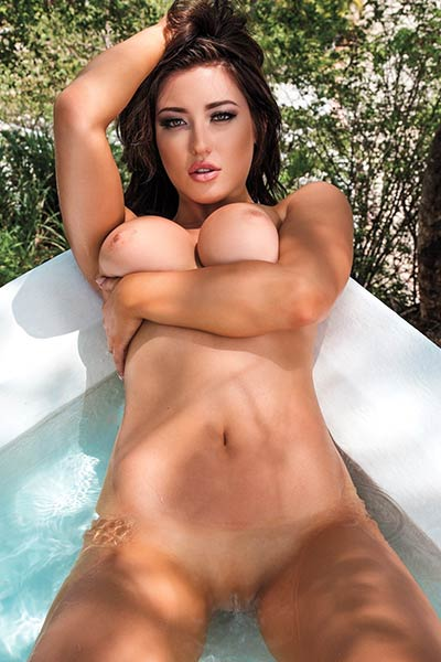 Stefanie Knight shares her best assets while posing for your eyes only
