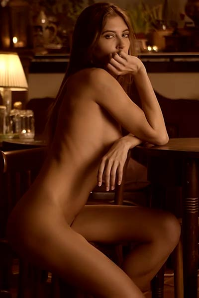 Top class young chick got it all in sensual solo action