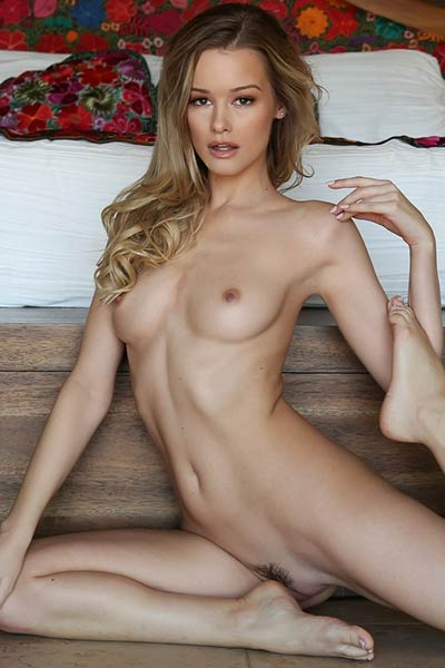 Super cute Olivia Preston blows your mind with her sexy body