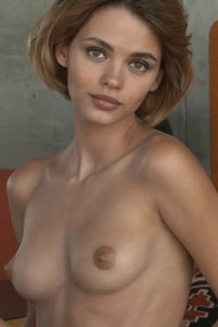 Fantastic Ariel will make you horny with her amazing posing performance