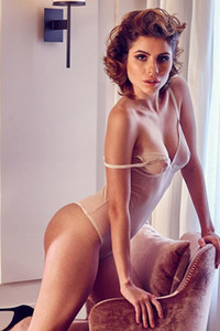 Here comes something special from gorgeous German model Chiara Arrighi