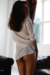Superb model Nicole Winter strips off her clothes and shows off her perky tits and bouncing butt
