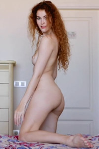 Amazing model Heidi Romanova lets us see her bubbly ass and small boobs