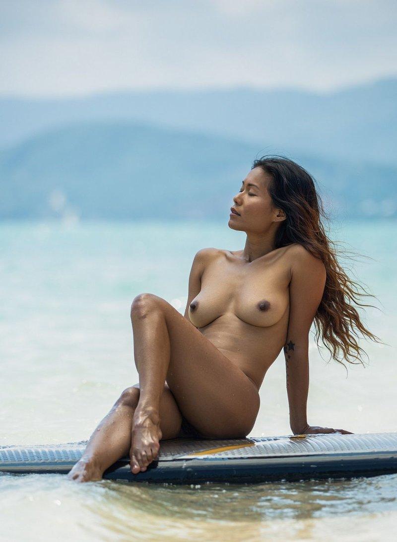 Maki Katana Nude Catching A Wave