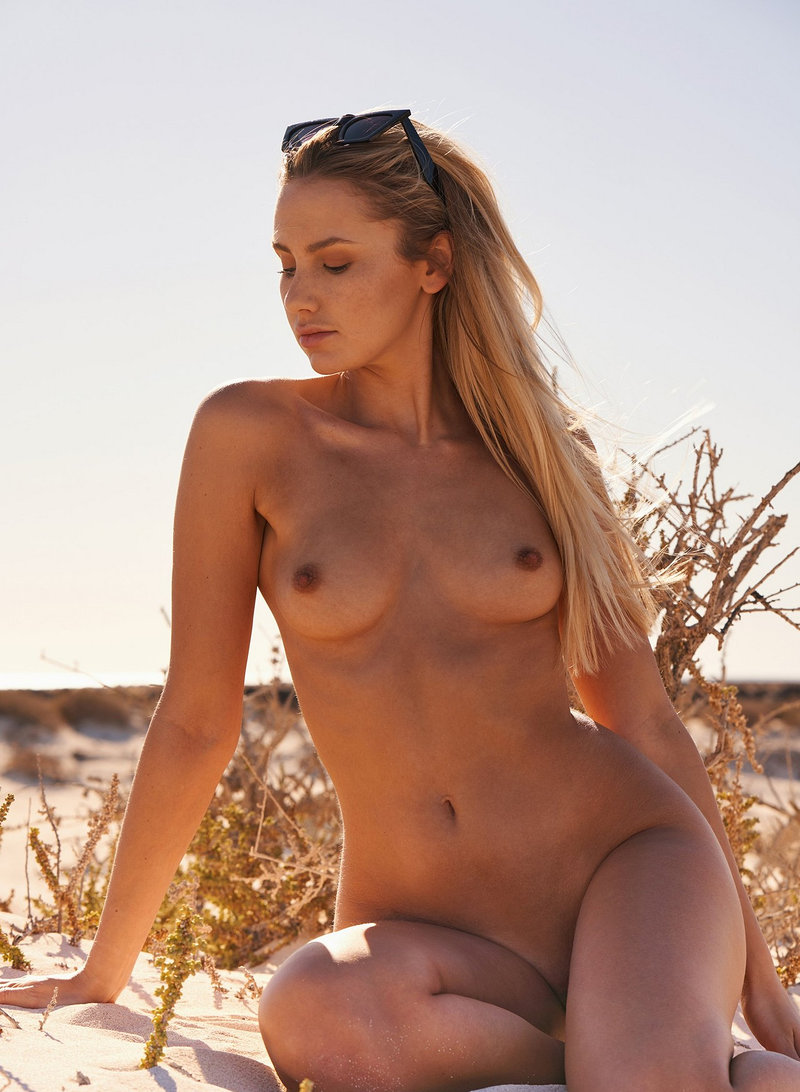 Jessica Witmann Nude, Naked